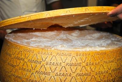 distribution grana padano fromage italien